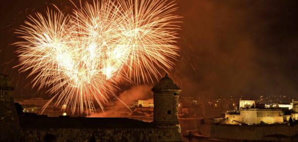 Malta - Valletta Fireworks Festival 2009 04 by Clive Vella_s