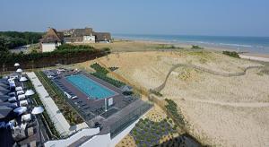 Thalazur-hotel_bains_cabourg_CABOURG bord de mer